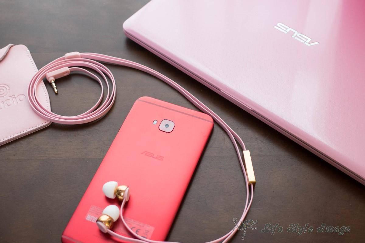 ASUS E203NAとZenFone 4 Selfie Pro、Sudio VASA。