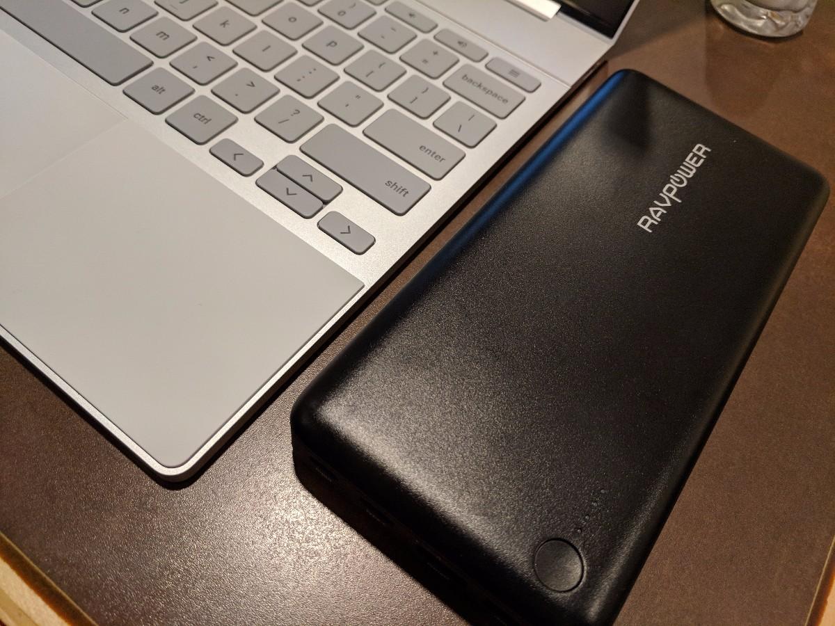 RAVPowerのモバイルバッテリー