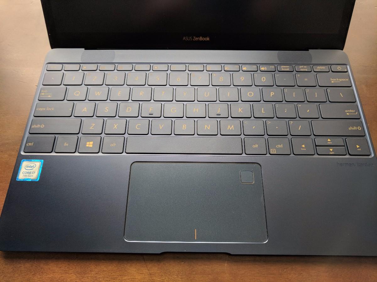 ZenBook 3のキーボード部分
