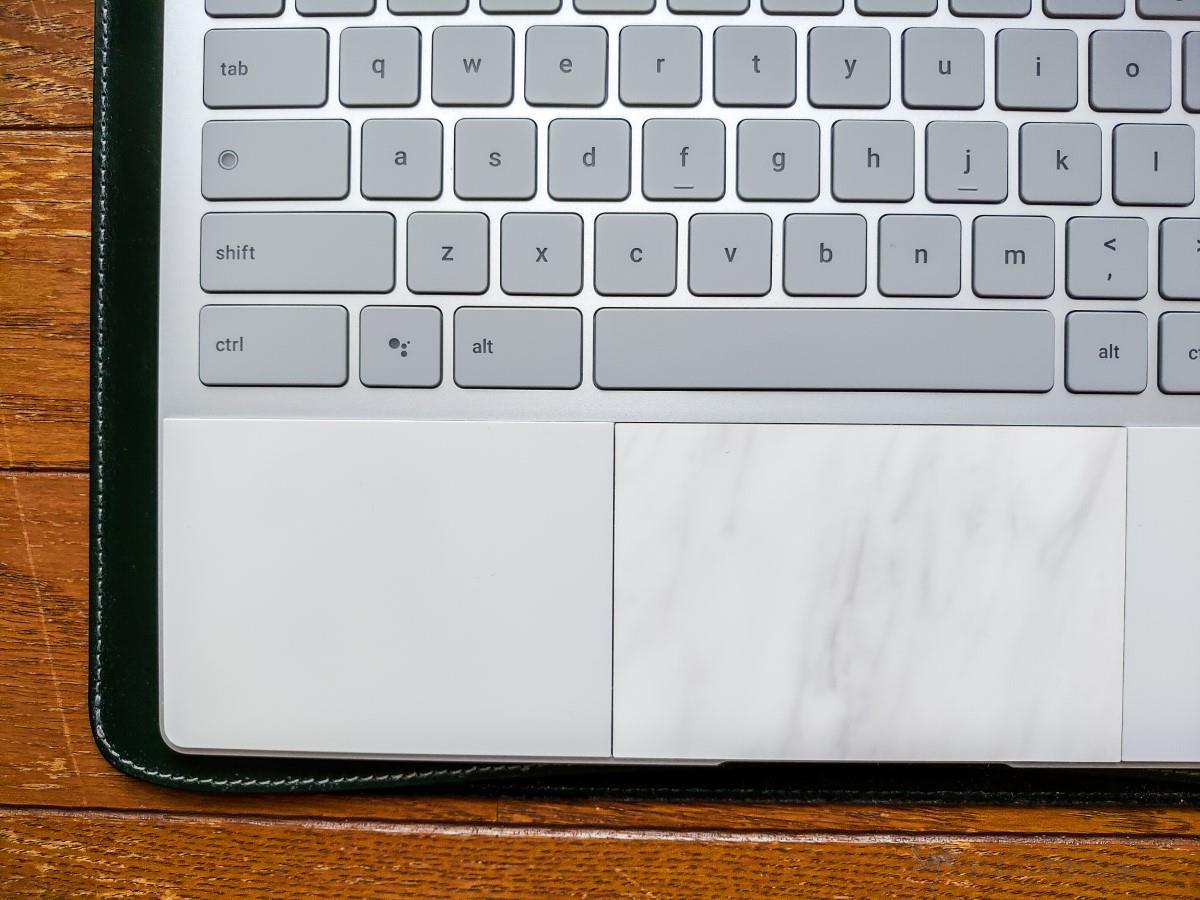 [革製品] 国立商店 職人が作るレザースリーブ for 12.9インチiPad ProをGoogle Pixelbookで使う。