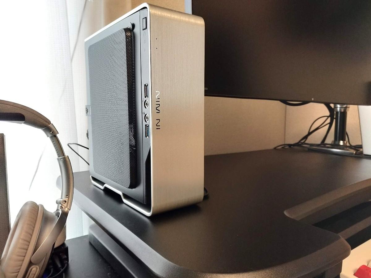 [日用品] AMD Ryzen™ 5 2400GとInWin Chopinで作るミニデスクトップWindows PC。