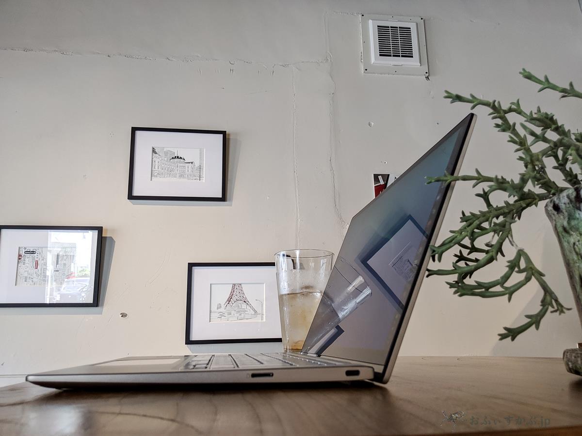 [かぶ] ASUS Chromebook Flip C434TA-AI0084レビュー。ASUSらしいZenBook的な、確かな存在感と上質感のある完成度の高いモデルです。