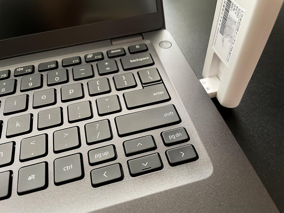 [かぶ] Chromebookでも挿して30秒でLTE接続。充電の要らないLTE対応USBドングル PIX-MT110レビュー。